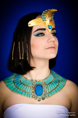 Cleopatra make-up and hair