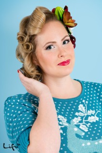 Pin-up hair and make-up by Lifu